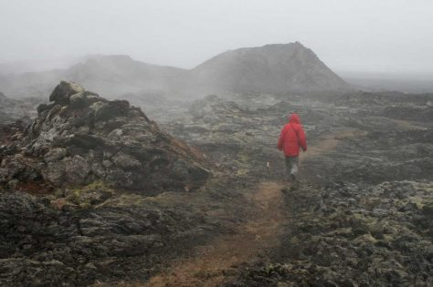 Lavafeld und Nebel
