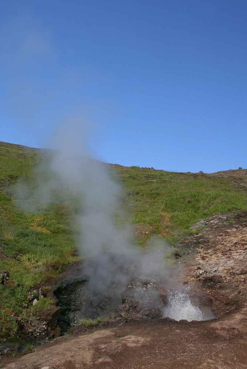Im heißen Bach bei Hveragerði  unterwegsblog ~ Kaffeemaschine Kochendes Wasser