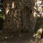 Wand der Kirche in Zaue