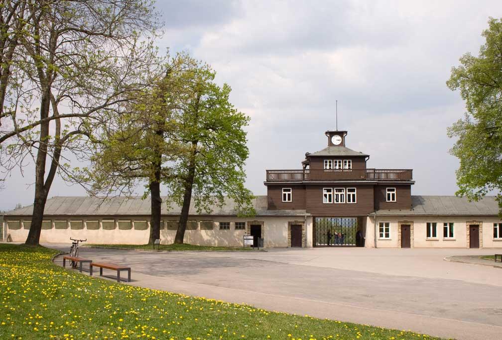 Eingang zum Konzentrationslager Buchenwald - Gedenkstätte Buchenwald