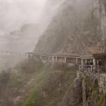 Mystischer, überdachter Bergweg zur Eisriesenwelt
