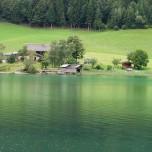 Grüner Wald, grüne Wiese, grüner See