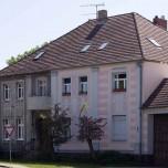 Altes und neues Gebäude in Alt Bork