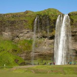 Wasserfall Seljalandsfoss im Süden von Island