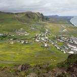 Blick auf Vík í Mýrdal - Blick auf Vik i Myrdal
