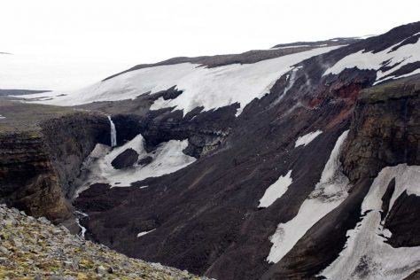 Lavafall des Eyjafjallajökull in die Schlucht Hrunagil