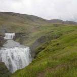 Zwei Wasserfälle der Skógá