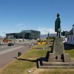 Stjórnarráðið (rechts)