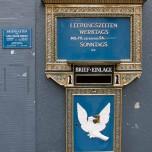 Historischer Briefkasten in Basel