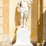 Figur an der Bildergalerie