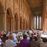 Hauptschiff beim Konzert des Choriner Musiksommers in Kloster Chorin