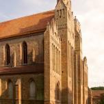 Westgiebel von Kloster Chorin in der Abendsonne
