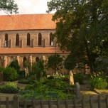 Hauptschiff & Friedhof von Kloster Chorin
