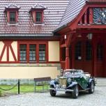Oldtimer vor Kaiserpavillon