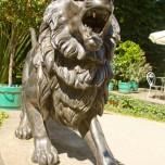 Löwenskulptur