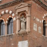 Casa dei Mercanti, Detail
