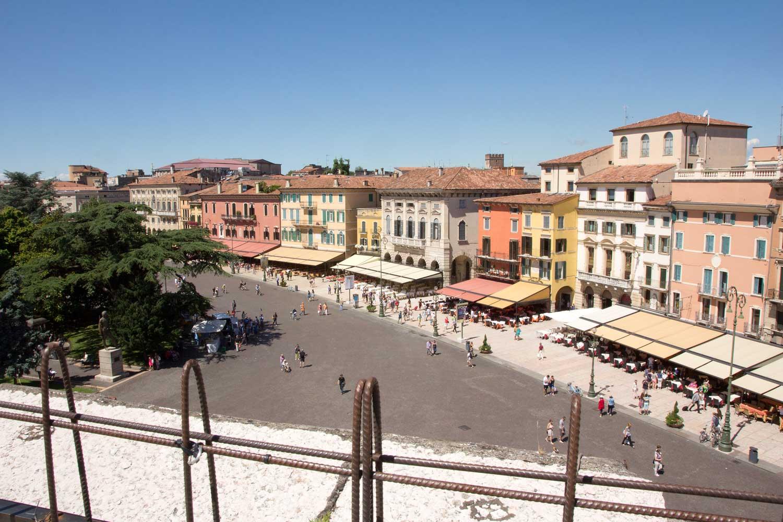 Blick auf die Piazza Bra II