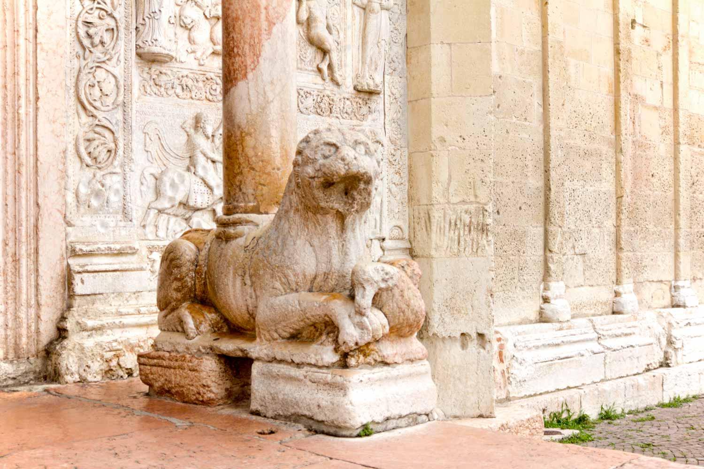 Löwe am Eingang I