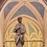 In der Basilika IV