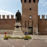 Vor dem Castelvecchio