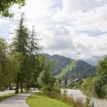 Weg entlang der Loisach
