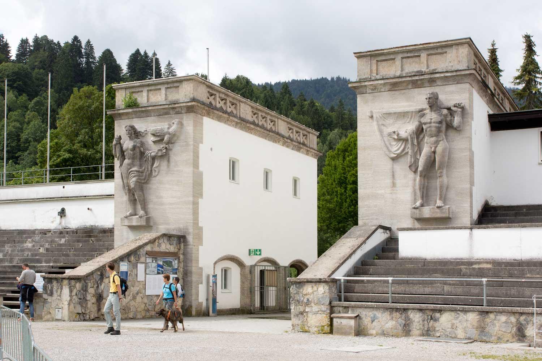Eingang zum Olympiastadion Garmisch-Partenkirchen