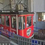 Gondel in der Talstation der Eibseebahn