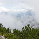 Blick vom Hupfenleitenjoch - Grainau zwischen Nebel