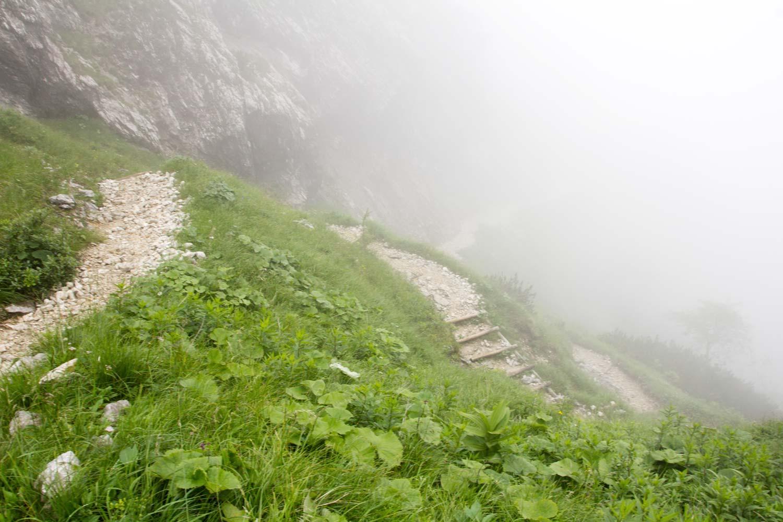 Hupfenleitenjoch Wanderung: Abstieg vom Hupfenleitenjoch in Serpentinen