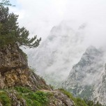 Wanderweg am Berghang
