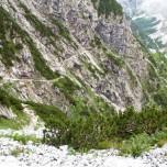 Wanderweg immer am Berghang lang