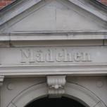 Schule in Bad Blankenburg - alter Eingang für Mädchen