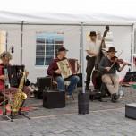 Musikalische Umrahmung auf dem Töpfermarkt in Naumburg
