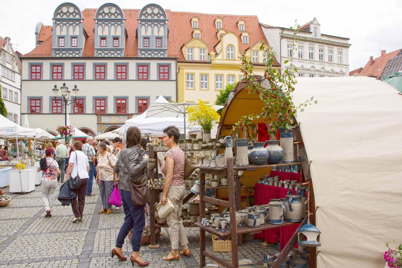 Töpfermarkt in der schönen Kulisse von Naumburg