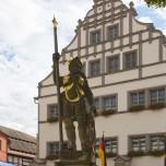 Denkmal am Marktplatz von Naumburg