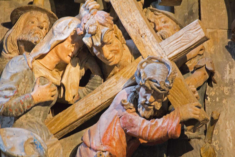Kreuztragung am Westlettner des Naumburger Doms