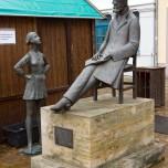 Nietzsche-Denkmal auf dem Holzplatz in Naumburg