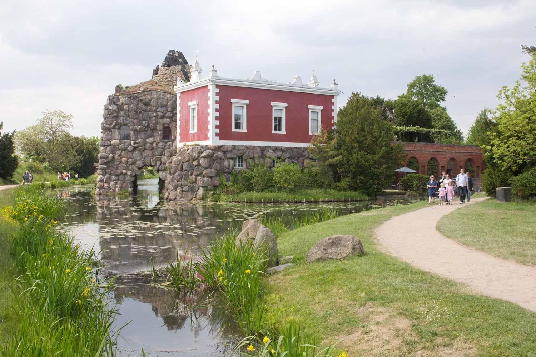 Villa Hamilton und Felseninsel Stein