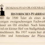 Hinweisschild Altes Pfarrhaus in Oranienburg