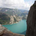 Blick vom Preikestolen nach rechts auf den Lysfjord