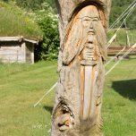Holzfigur im Landa Park