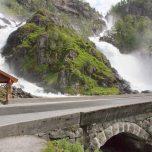 Låtefossen, Norwegen, Wasserfall bei Odda