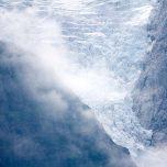 Gletscher mit Wolken