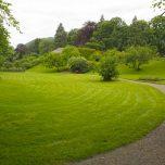 Gepflegter Rasen in der Baronie Rosendal
