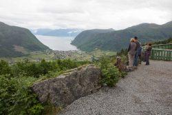 Blick auf Vik und den Sognefjord