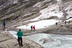 Brücke über den Gletscherfluss