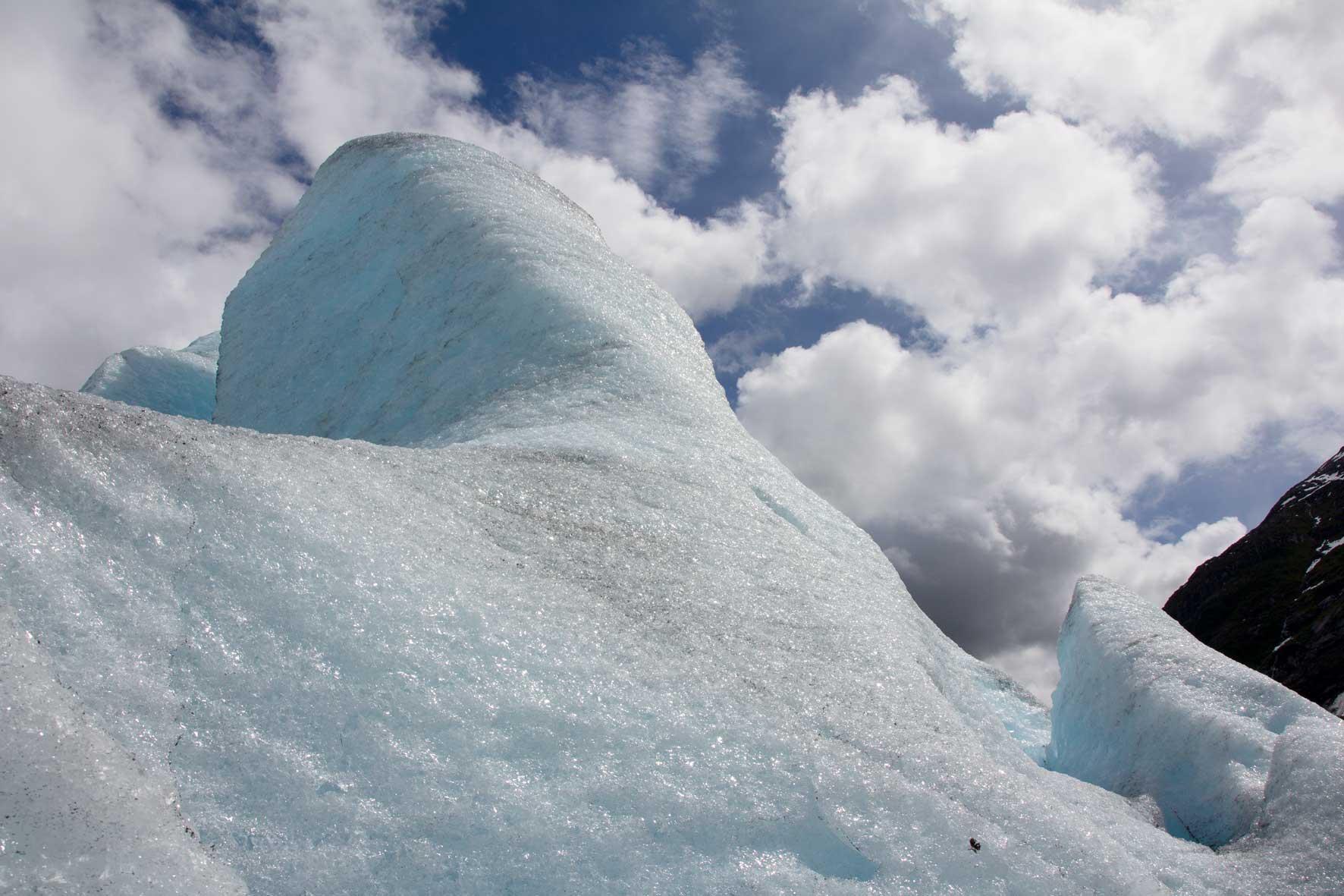 Im blauen Eis des Nigardsbreens
