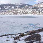 Eisfreier Kreis auf dem Gletschersee
