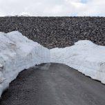 Schneereste Staumauer