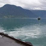 Fähre über den Lusterfjord